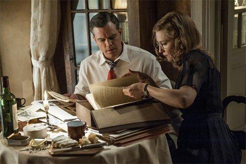 Matt Damon e Cate Blanchett in una scena del film.