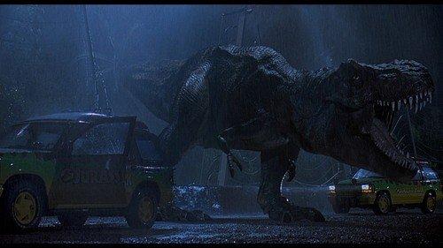Il T-Rex appena uscito dal recinto