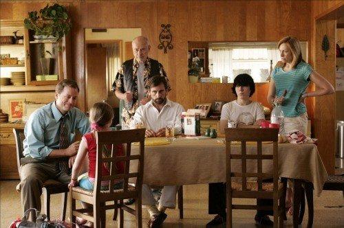 La famiglia Hoover al completo in una scena del film